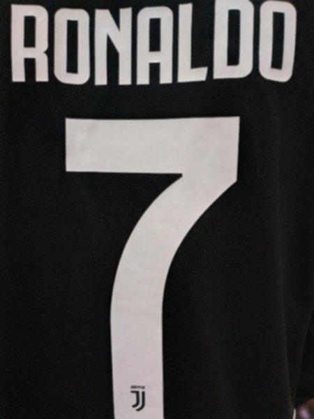 форма Juventus  №7 RONALDO(длинный рукав)(2019-2020)(домашняя)(Лига Чемпионов)полиэстер 100%
