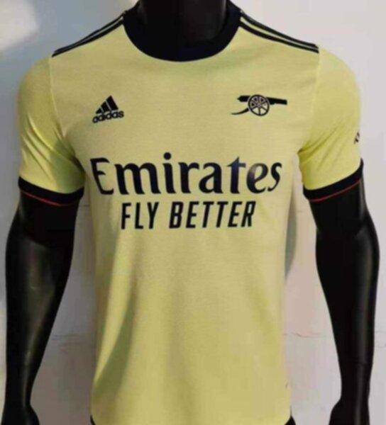 форма  Arsenal  2021-2022  гостевая