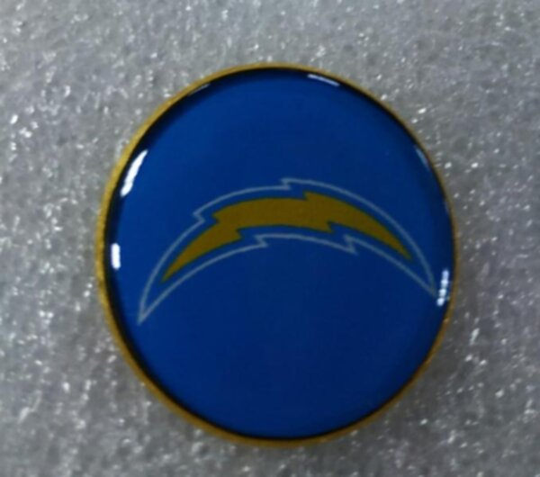 значок  Los Angeles Chargers №1246  2,5 см металл+полимерная смола