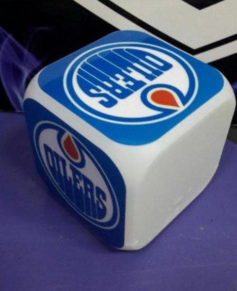 часы с LED Edmonton Oilers (8х8х8см)