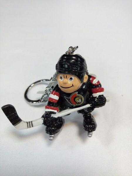брелок- хоккеист Ottawa Senators
