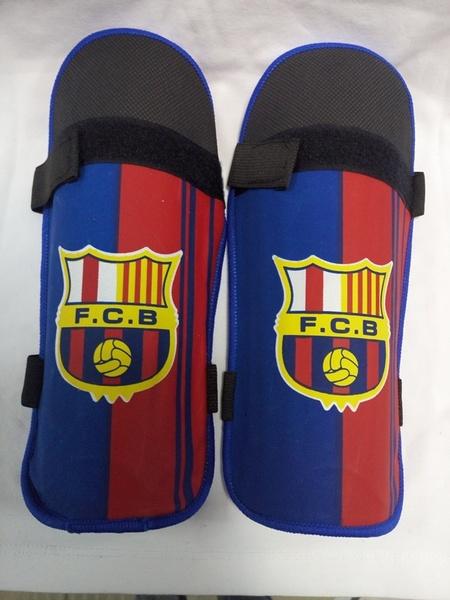 щитки Barcelona(подростковые) 25см х 14см